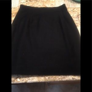 Dresses & Skirts - Women's size 10 wool skirt